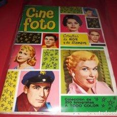Coleccionismo Álbum: ALBUM CINE FOTO ESTRELLAS DE HOY Y DE SIEMPRE 1961 COMPLETO. Lote 195670640