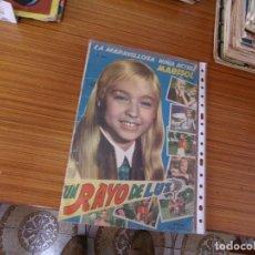 Coleccionismo Álbum: UN RAYO DE LUZ ALBUM COMPLETO 144 CROMOS EDITA FHER. Lote 221744723
