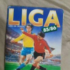 Coleccionismo Álbum: ALBUM LIGA 85-86 COMPLETO CON 385 CROMOS. Lote 255306135