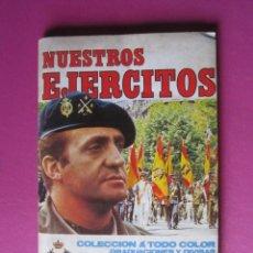 Coleccionismo Álbum: NUESTROS EJERCITOS ALBUM DE CROMOS COMPLETO .. Lote 270181278