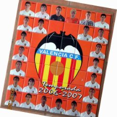 Álbum de fútbol completo: FUTBOL. VALENCIA CF. ALBUM. MOSAICO CERAMICA 42 PIEZAS IMPRESION FOTOGRAFICA. ENVIO EN 6 EUROS. Lote 24121423