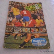 Álbum de fútbol completo: FUTBOL EN ACCIÓN . DANONE 82. Lote 45076389