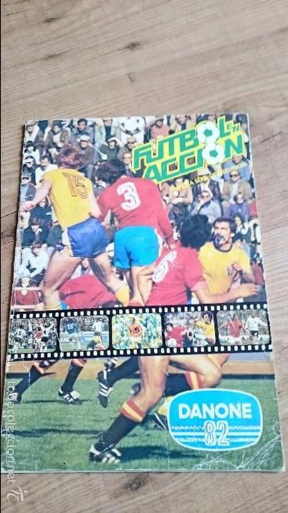 ALBUM FUTBOL EN ACCIÓN 82 DANONE COMPLETO (Coleccionismo Deportivo - Álbumes y Cromos de Deportes - Álbumes de Fútbol Completos)