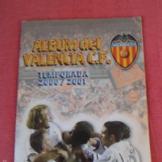 Álbum de fútbol completo: ALBUM DE FUTBOL DE CROMOS DEL VALENCIA C.F ADHESIVOS -- TEMPORADA 2000 - 2001 -- COMPLETO. Lote 58214287