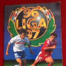 Álbum de fútbol completo: RP ALBUM COMPLETO LIGA ESTE 1996 1997 96 97 CON 445 CROMOS CON COLOCAS. Lote 61399595