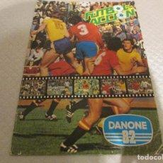 Álbum de fútbol completo: ALBUM CROMOS FUTBOL EN ACCION. Lote 65678554