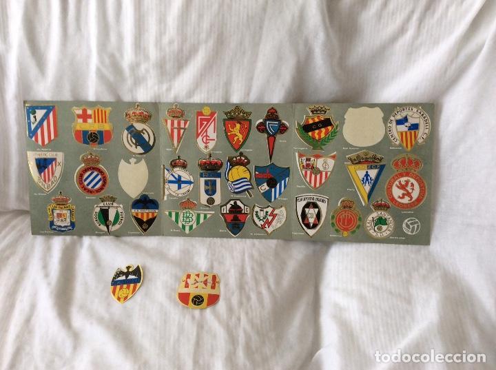 Álbum de fútbol completo: Album escudos de futbol matalizados 1-2 Division año 1972 Completo - Foto 3 - 81716140