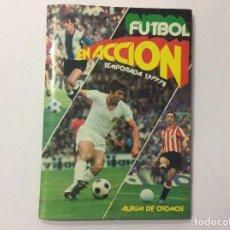 Álbum de fútbol completo: ÁLBUM FÚTBOL EN ACCIÓN TEMPORADA 1977-78 COMPLETO + SOBRE VACÍO + ANUNCIO. Lote 93739625