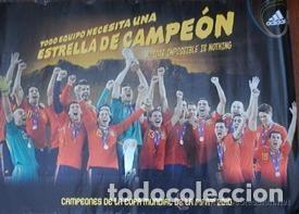 POSTER FUTBOL SELECCIÓN MUNDIAL CAMPEONA ESPAÑA SUDÁFRICA (Coleccionismo Deportivo - Álbumes y Cromos de Deportes - Álbumes de Fútbol Completos)