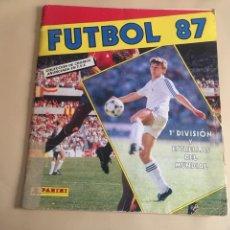 Álbum de fútbol completo: FUTBOL 87. PANINI. 1ªDIVISION Y ESTRELLAS DEL MUNDIAL. COMPLETO.. Lote 97360947
