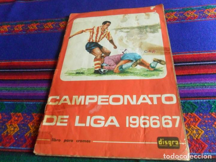FHER DISGRA CAMPEONATO DE LIGA 1966 1967 66 67 COMPLETO. REGALO 1967 1968 67 68 INCOMPLETO. (Coleccionismo Deportivo - Álbumes y Cromos de Deportes - Álbumes de Fútbol Completos)
