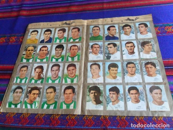 Álbum de fútbol completo: FHER DISGRA CAMPEONATO DE LIGA 1966 1967 66 67 COMPLETO. REGALO 1967 1968 67 68 INCOMPLETO. - Foto 6 - 120210527