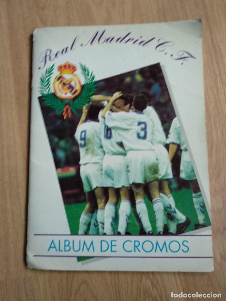ALBUM CROMOS DEL REAL MADRID, COMPLETO, VIENE BALONCESTO Y FUTBOL (Coleccionismo Deportivo - Álbumes y Cromos de Deportes - Álbumes de Fútbol Completos)