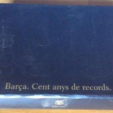 Álbum de fútbol completo: BARÇA CENT ANYS DE RECORDS - ESTUCHE CON LOS TRES ÁLBUMES COMPLETOS Y ONCE LÁMINAS PUZZLE. Lote 162408098