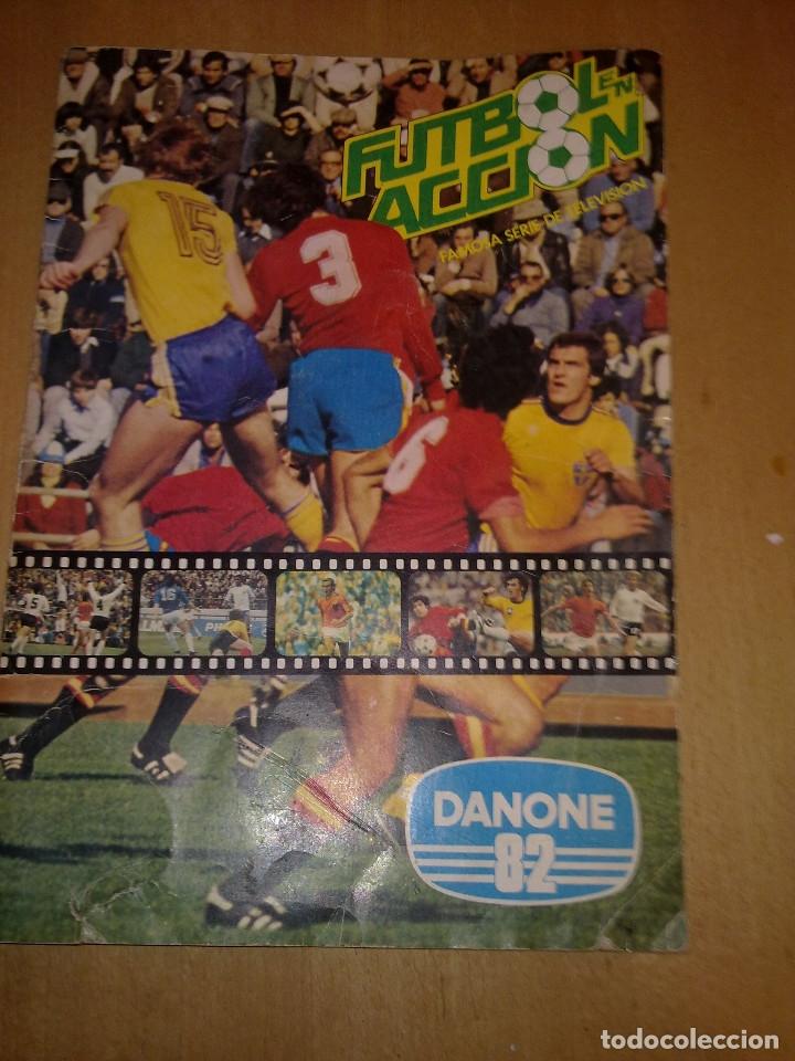 ALBUM FUTBOL EN ACCION DE DANONE 82 (COMPLETO) (Coleccionismo Deportivo - Álbumes y Cromos de Deportes - Álbumes de Fútbol Completos)