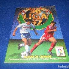 Álbum de fútbol completo: ALBUM FUTBOL LIGA 96 97 1996 1997 EDICIONES ESTE COMPLETO CON 398 CROMOS. Lote 178230890