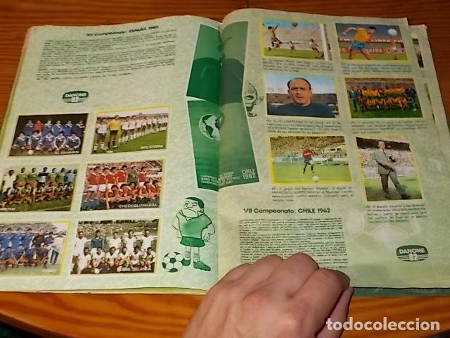 Álbum de fútbol completo: ÁLBUM DE CROMOS FÚTBOL EN ACCIÓN. DANONE 82 . COMPLETO. 96 CROMOS. 1981. UNA JOYA!!! - Foto 7 - 181438253