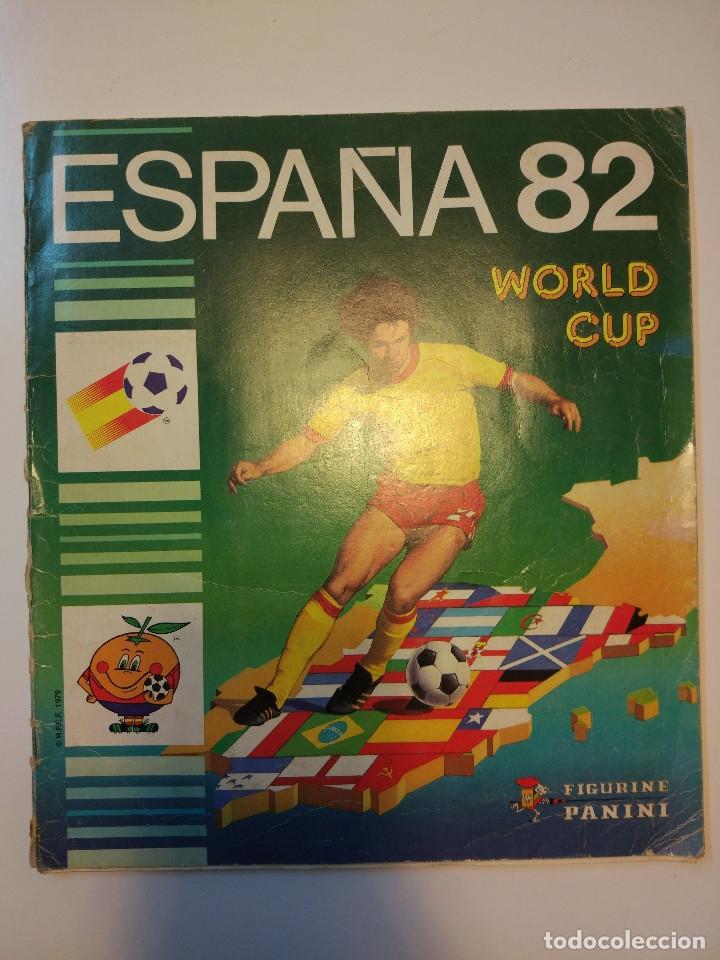 ESPAÑA 82 WORLD CUP COMPLETO. REGALO FRANCE 98 WORLD CUP INCOMPLETO (Coleccionismo Deportivo - Álbumes y Cromos de Deportes - Álbumes de Fútbol Completos)