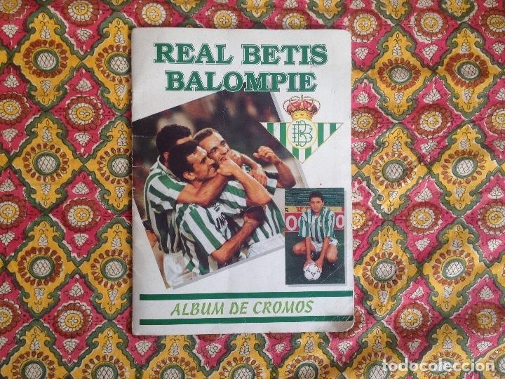 ALBUM BETIS COMPLETO FIRMADO POR JUGADORES (Coleccionismo Deportivo - Álbumes y Cromos de Deportes - Álbumes de Fútbol Completos)