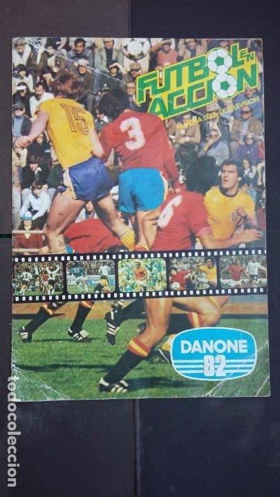 ALBUM COMPLETO FÚTBOL EN ACCIÓN MUNDIAL 82 ESPAÑA - DANONE (Coleccionismo Deportivo - Álbumes y Cromos de Deportes - Álbumes de Fútbol Completos)