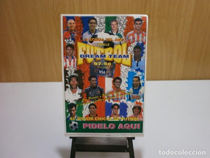 CARTEL PEGATINA DE VENTA EN KIOSCO ALBUM CHICLE FUTBOL DREAM TEAM 97 98 (Coleccionismo Deportivo - Álbumes y Cromos de Deportes - Álbumes de Fútbol Completos)