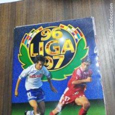 Álbum de fútbol completo: ALABUM COMPLETO. LIGA 96/97. CONTIENE 88 DOBLES Y 2 COLOCA. COLECCIONES ESTE. VER FOTOS.. Lote 208340198