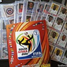 Álbum de fútbol completo: COLECCIÓN CROMOS FUTBOL FIFA SOUTH AFRICA 2010 ALBUM VACIO MAS CROMOS NUEVOS. LEER DESCRIPCION.. Lote 213903832