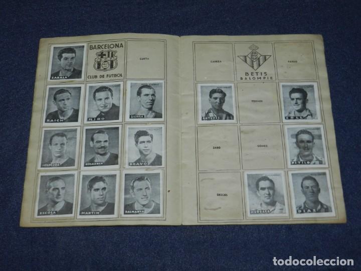 Álbum de fútbol completo: ALBUM LIBRETA DEPORTIVA , CISNE 1942, FALTAN 74 CROMOS, 1 DIVISION , SEÑALES DE USO - Foto 4 - 214354558