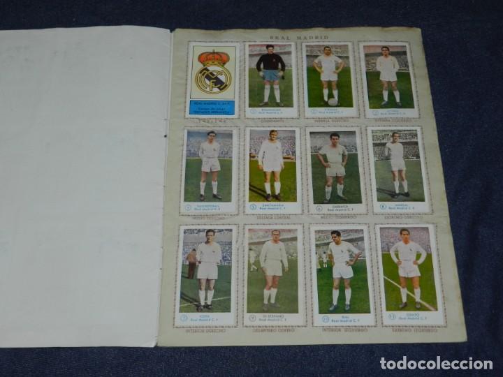 Álbum de fútbol completo: ALBUM CAMPEONATO DE FUTBOL JUGADORES DE PRIMERA DIVISION, GRAFICAS BACHENDE 1957 COMPLETO - Foto 2 - 214354671