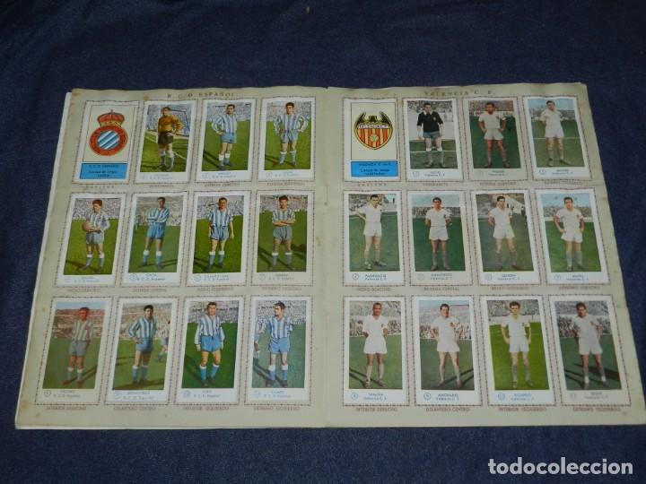 Álbum de fútbol completo: ALBUM CAMPEONATO DE FUTBOL JUGADORES DE PRIMERA DIVISION, GRAFICAS BACHENDE 1957 COMPLETO - Foto 5 - 214354671
