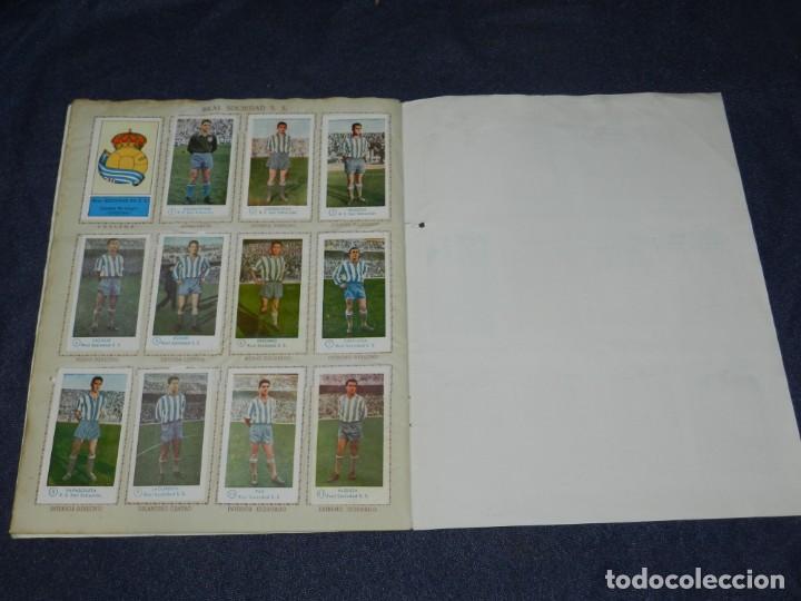 Álbum de fútbol completo: ALBUM CAMPEONATO DE FUTBOL JUGADORES DE PRIMERA DIVISION, GRAFICAS BACHENDE 1957 COMPLETO - Foto 10 - 214354671