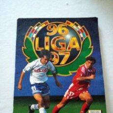 Álbum de fútbol completo: ALBUM FUTBOL LIGA ESTE 96-97.COMPLETO.SECRETARIO ANDERSSON DOS VERSIONES RONALDO 567 CROMOS. Lote 220385456