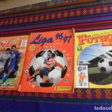 Álbum de fútbol completo: PANINI FÚTBOL ESTRELLAS DE LA LIGA 92 93 COMPLETO, LIGA 96 97 INCOMPLETO. REGALO ESTE 10 11 VACÍO.. Lote 222261976