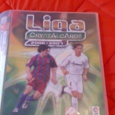 Álbum di calcio completo: LOS 2 MESSI + ALBUM COMPLETO 414 CROMOS + CROMO COMODIN. MUNDICROMO. LIGA CRYSTALCARDS 2006 2007.. Lote 236218805