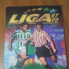 Album de football complet: ALBUM LIGA ESTE 1997/98 COMPLETO CON TODOS LOS ÚLTIMOS FICHAJES Y MUCHOS DOBLES. Lote 237138700