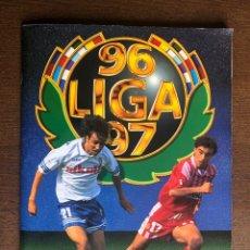 Álbum de fútbol completo: ALBUM FUTBOL LIGA ESTE 96-97 MUY COMPLETO 1996-1997 CON 138 CROMOS DOBLES. Lote 251659520