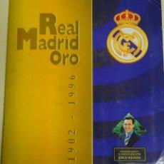 Álbum de fútbol completo: ALBUM DE CROMOS DE FÚTBOL. CF REAL MADRID ORO, 1902 - 1996, COMPLETO, 216 CROMOS. 600GR. Lote 254646235