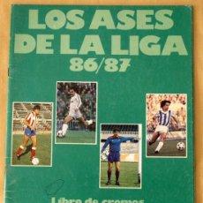 Coleccionismo deportivo: LOS ASES DE LA LIGA 86/87 - ALBUM INCOMPLETO - CON 15 CROMOS -. Lote 26175023