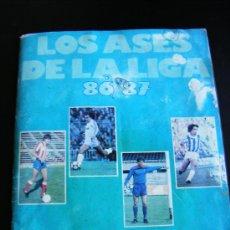 Coleccionismo deportivo: LOS ASES DE LA LIGA. AÑO 86/87. LIBRO DE CROMOS. OBSEQUIO DE AS. FALTAN 40 CROMOS.. Lote 31692641