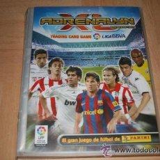 Coleccionismo deportivo: PANINI ADRENALYN XL 2009-2010 BBVA: COLECCION BASICA + SERIE 20 JUGONES EN ARCHIVADOR OFICIAL. Lote 46114636