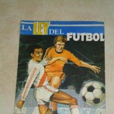 Coleccionismo deportivo: LA LEY DEL FUTBOL-AÑO 1976-VACIO. Lote 37517593