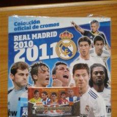 Coleccionismo deportivo: ALBUM PRECINTADO REAL MADRID 2010-2011 PANINI CON REGALO. Lote 39368091