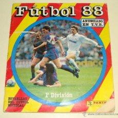 Coleccionismo deportivo: ÁLBUM DE CROMOS DE FÚTBOL. LIGA 87 88.1987 1988. EDICIONES PANINI. MUY COMPLETO. CONTIENE 388 CROMOS. Lote 40547912