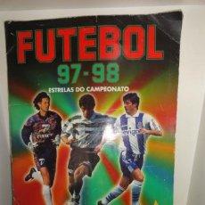 Coleccionismo deportivo: ALBUM FUTEBOL 97-98 PANINI FUTBOL LIGA PORTUGUESA CASI COMPLETO SOLO FALTAN 5 CROMOS. Lote 41388301