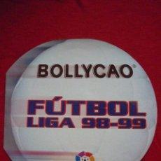 ALBUM DE CROMOS - BOLLYCAO FUTBOL LIGA 98-99 - INCOMPLETO, CONTIENE 40 CROMOS - EN FORMA DE BALÓN