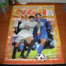 Coleccionismo deportivo: ALBUM DE FUTBOL EDICIONES ESTE 2010/2011 CON 412 CROMOS, FICHAJES, COLOCAS, BAJAS, Y MESSI. Lote 46225986