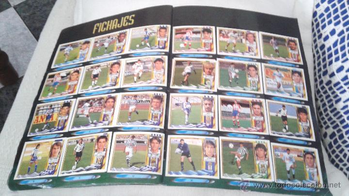 Coleccionismo deportivo: ALBUM ESTE 95-96 MUY COMPLETO CON VARIOS DOBLES, COLOCAS FICHAJE. VERSION SIN ALBACETE / VALLADOLID - Foto 8 - 50460482