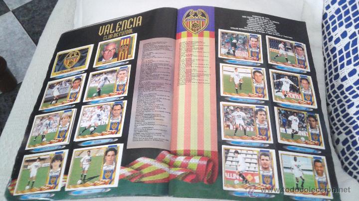 Coleccionismo deportivo: ALBUM ESTE 95-96 MUY COMPLETO CON VARIOS DOBLES, COLOCAS FICHAJE. VERSION SIN ALBACETE / VALLADOLID - Foto 10 - 50460482
