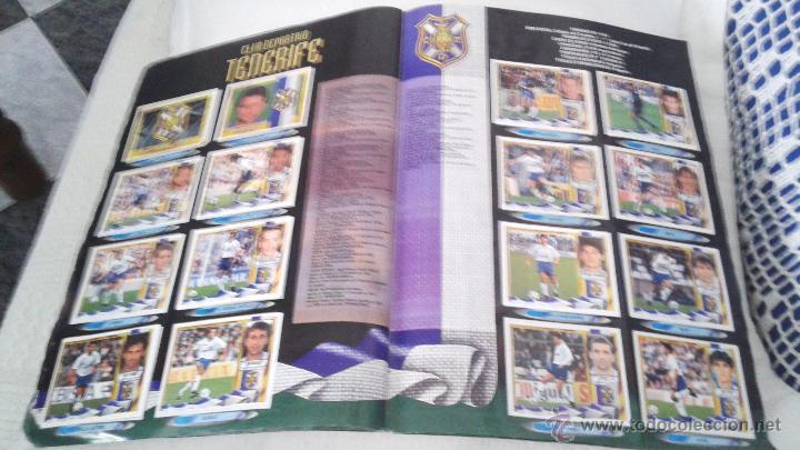 Coleccionismo deportivo: ALBUM ESTE 95-96 MUY COMPLETO CON VARIOS DOBLES, COLOCAS FICHAJE. VERSION SIN ALBACETE / VALLADOLID - Foto 11 - 50460482