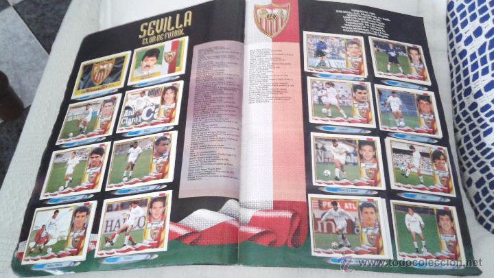 Coleccionismo deportivo: ALBUM ESTE 95-96 MUY COMPLETO CON VARIOS DOBLES, COLOCAS FICHAJE. VERSION SIN ALBACETE / VALLADOLID - Foto 13 - 50460482